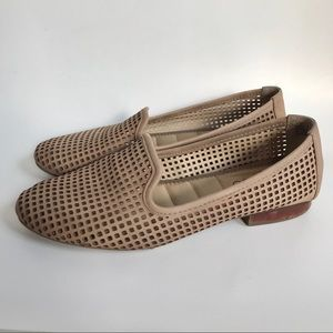 Me Too Yale leather slip on loafers- 7.5